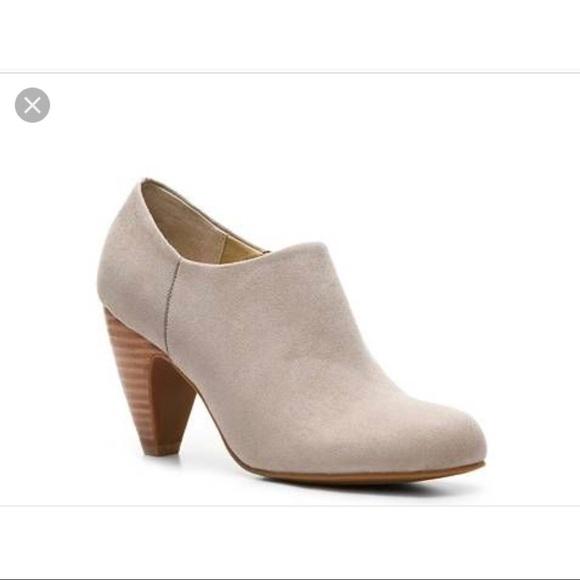 027fe4b4d25 Crown Vintage Shoes - CROWN VINTAGE WENDY SUEDE BOOTIE 8